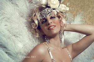 Cigno primo piano - lezioni di burlesque e seduzione - Miss Sophie Champagne Burlesque Milano